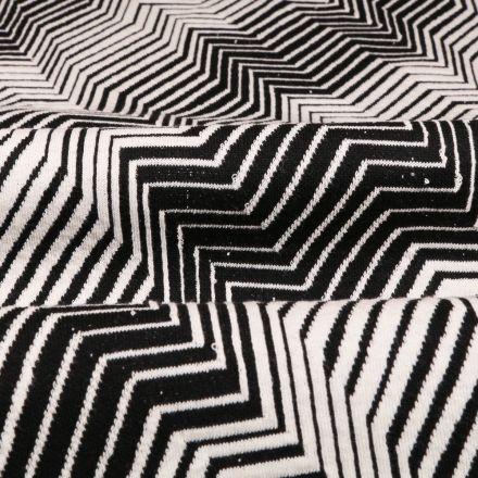 Tissu Gianni Maille Extensible Noir Chevrons et rayures Blanches - Par 10 cm