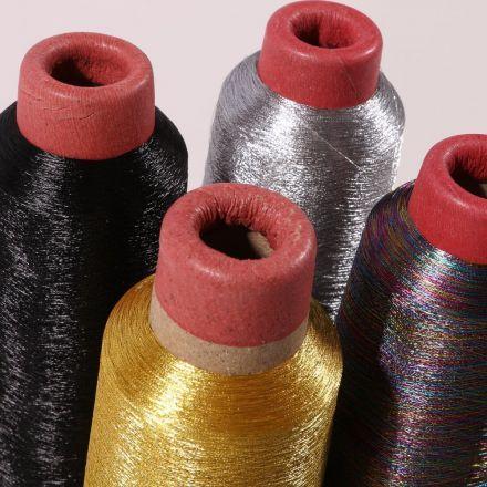 Cône de fil surjeteuse 100% Polyester 2740m - 4 couleurs métallisées