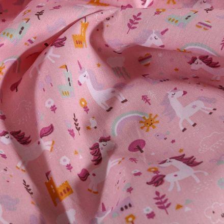 Tissu Coton imprimé LittleBird Licornes et chateaux sur fond Rose - Par 10 cm