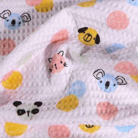 Tissu Nid d'abeille imprimé Têtes d'animaux et pois pastels sur fond Blanc - Par 10 cm
