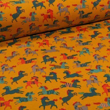 Tissu Jersey Coton Chevaux indiens sur fond Jaune - Par 10 cm