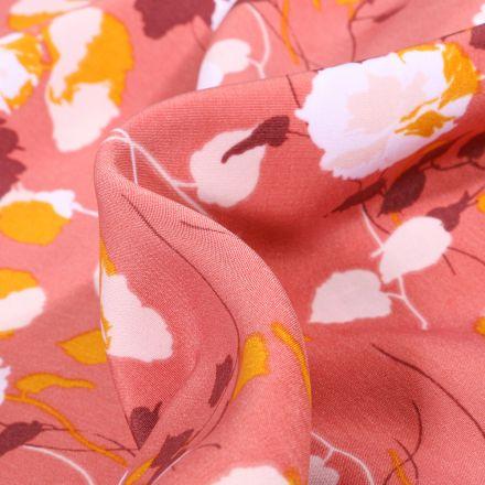 Tissu Crêpes imprimé Boutons de rose sur fond Bois de rose
