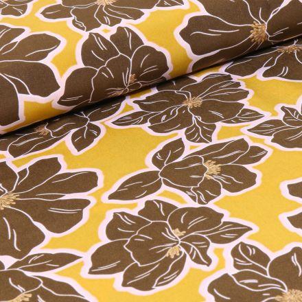 Tissu Crêpe imprimé Grandes fleurs marron sur fond Jaune
