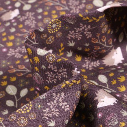 Tissu Coton imprimé Bio Hérissons et feuillages sur fond Prune foncé