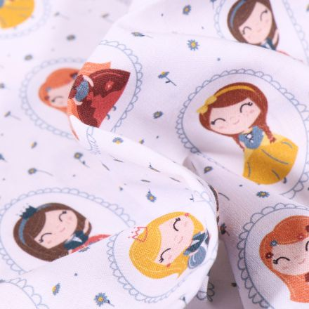 Tissu Coton MC Fabrics Princesses et cygnes sur fond Blanc