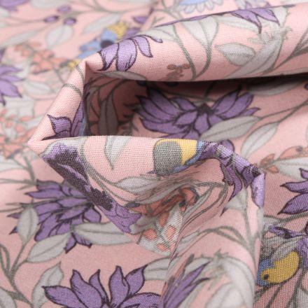 Tissu Coton imprimé Fleurs et Oiseaux sur fond Rose pâle