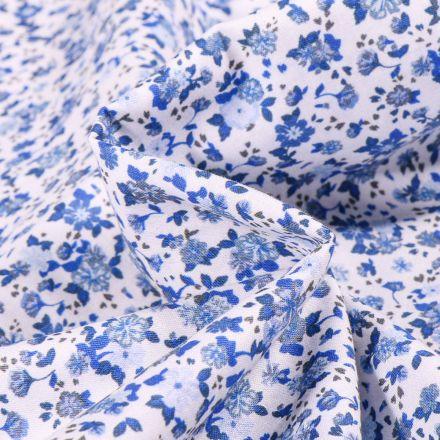 Tissu Popeline de coton Sweet Flower Louise bleu sur fond Blanc