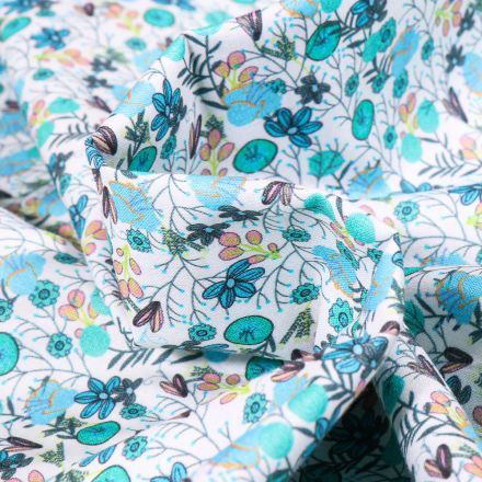Tissu Popeline de coton Sweet Flower Apolline turquoise sur fond Blanc
