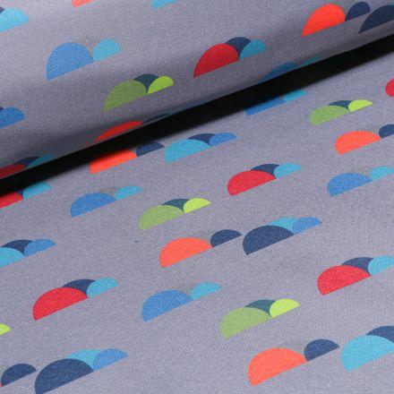 Tissu Softshell Nuages colorés sur fond Gris