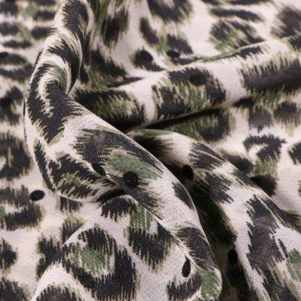 Tissu Mousseline Tâches léopard vertes sur fond Blanc cassé