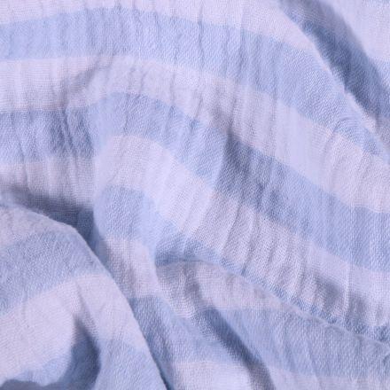 Tissu Double gaze Rayures bleu ciel sur fond Blanc - Par 10 cm