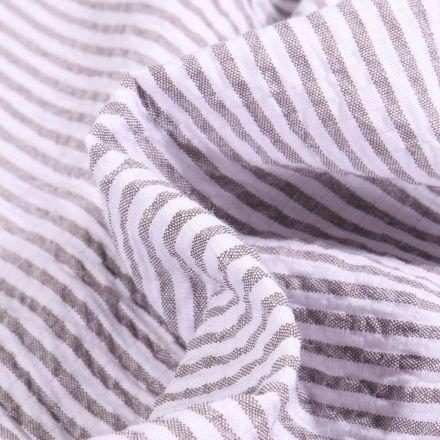 Tissu Seersucker Scarlett Rayures taupe sur fond Blanc