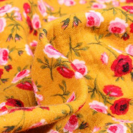 Tissu Double gaze imprimé Boutons de rose sur fond Jaune
