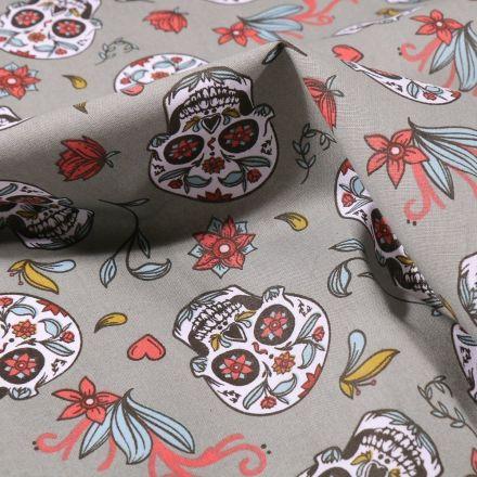 Tissu Coton imprimé Arty Calaveras sur fond Vert kaki clair - Par 10 cm