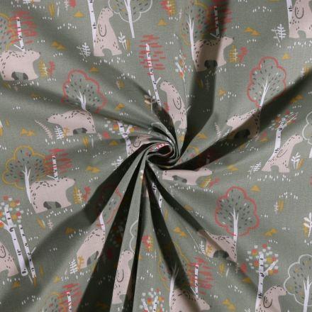 Tissu Coton imprimé Ours en forêt sur fond Vert kaki clair - Par 10 cm