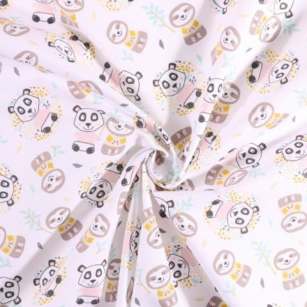 Tissu coton imprimé Arty Panda et paresseux  feuilles de bambou sur fond Blanc - Par 10 cm