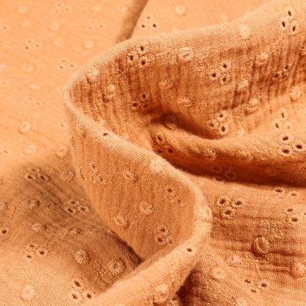Tissu Double gaze brodée Adèle sur fond Camel