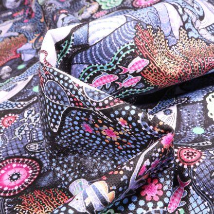 Tissu Coton  QT Fabrics Way Under Dika sur fond Noir