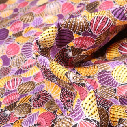 Tissu Coton  QT Fabrics Way Under Ayush sur fond Violet