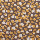 Tissu Maille jersey polyviscose Tâches géométrique moutarde et blanches sur fond Taupe - Par 10 cm