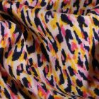 Tissu crêpe imprimé Motifs abstrait rose sur fond Blanc cassé - Par 10 cm