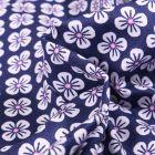 Tissu Coton imprimé Violette blanches sur fond Bleu marine