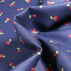 Tissu Coton imprimé Cherry Cherry sur fond Bleu nuit