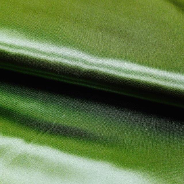 Tissu Satin uni Vert émeraude x1m