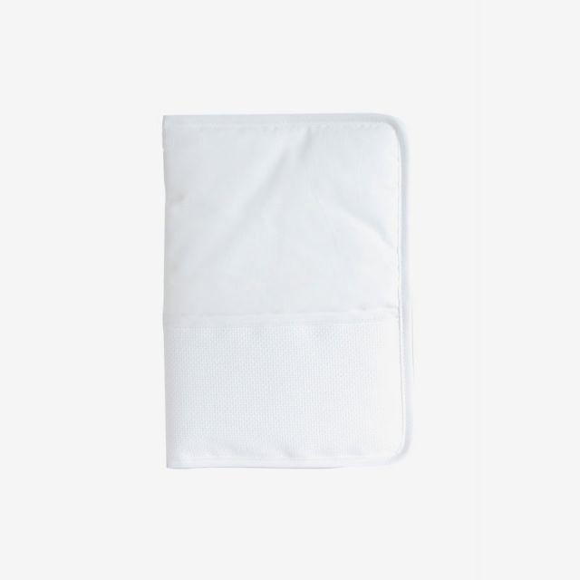 Protège Carnet de Santé Prêt à broder  DMC 18 x 25 cm Blanc