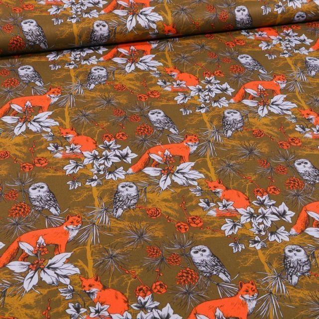 Tissu Coton imprimé Renards orange fluo en forêt sur fond Vert kaki - Par 10 cm