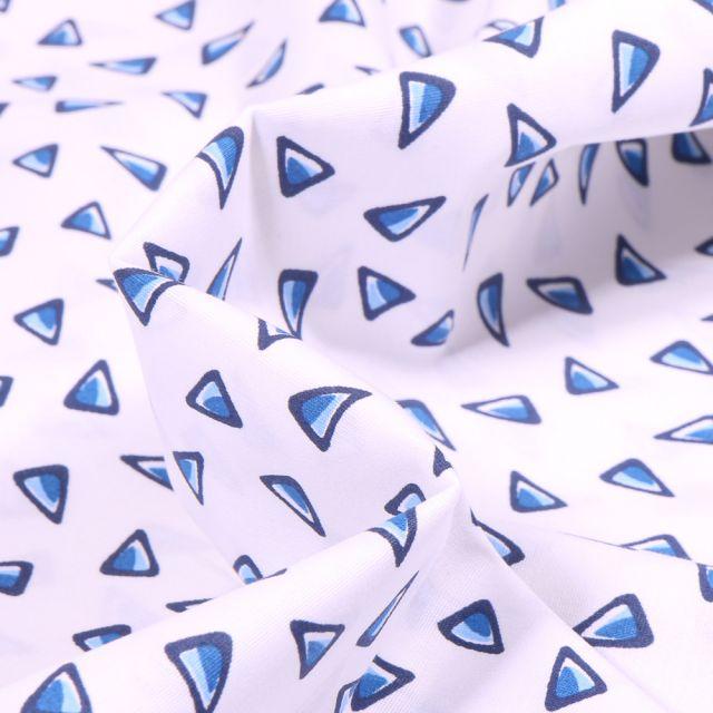 Tissu Coton imprimé extensible Triangles bleus sur fond Blanc