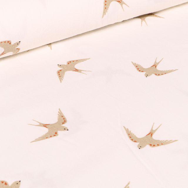 Tissu Coton lavé Hirondelles sur fond Blanc cassé