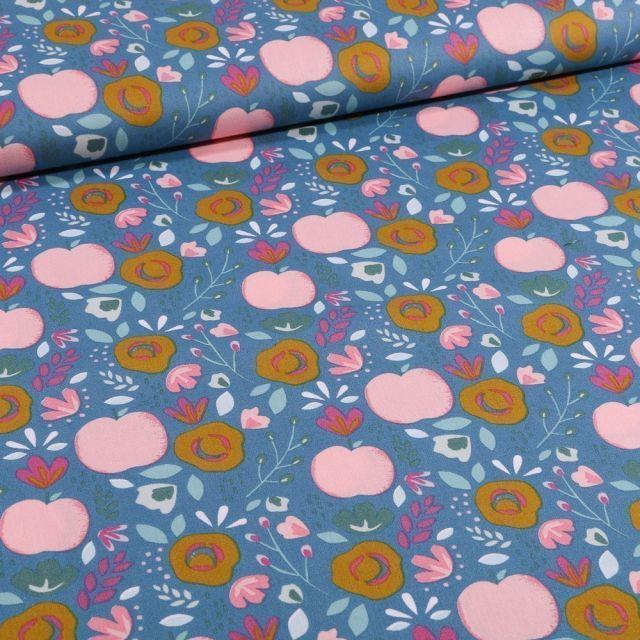 Tissu Coton imprimé LittleBird Pommes et fleurs seventies sur fond Bleu - Par 10 cm