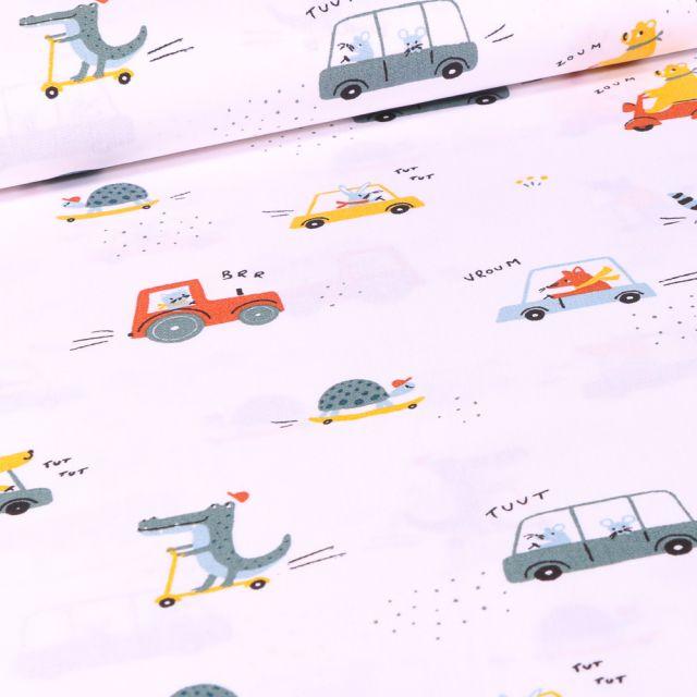 Tissu Coton imprimé Animaux skate et trottinette sur fond Blanc