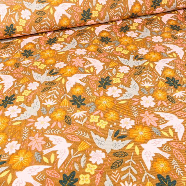Tissu Velours milleraies Oiseaux et fleurs sur fond Ocre