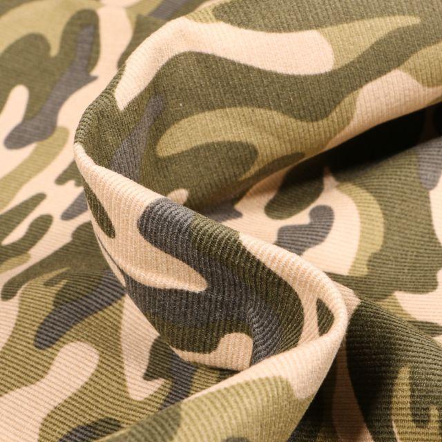 Tissu Velours milleraies Camouflages sur fond Vert kaki