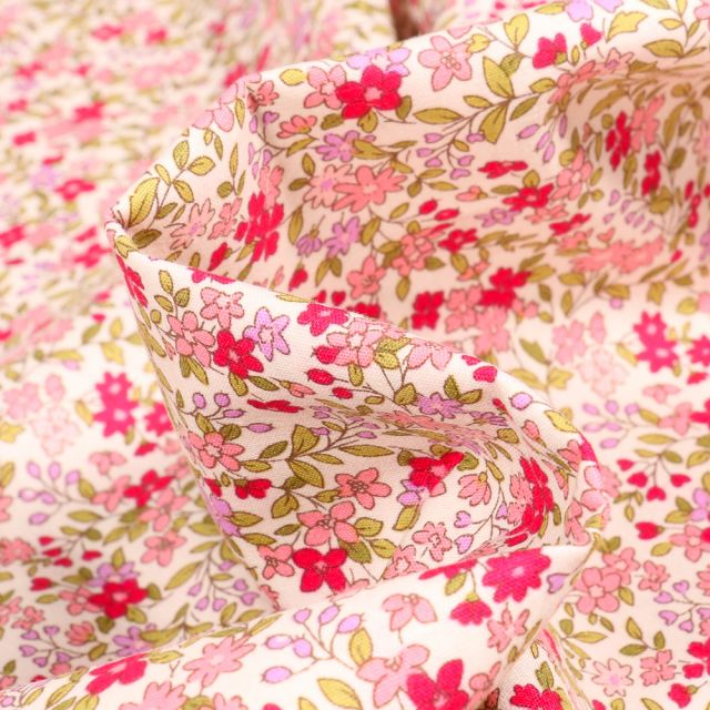 Tissu Coton popeline imprimé Florentine rose sur fond Blanc cassé