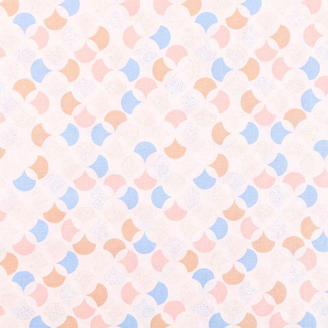 Tissu Coton Imprimé Frou-Frou Lisbonne beige, rose et bleu sur fond Blanc - Par 10 cm