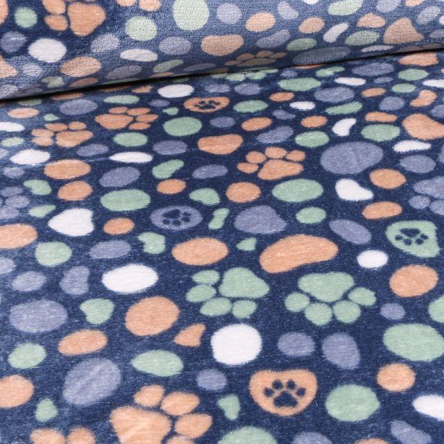 Tissu Doudou Pattes de chiens et galtes sur fond Bleu nuit