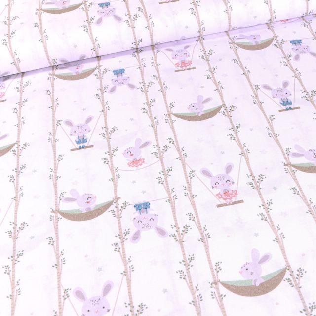 Tissu Coton imprimé Bio Lapins balancelle sur fond Blanc
