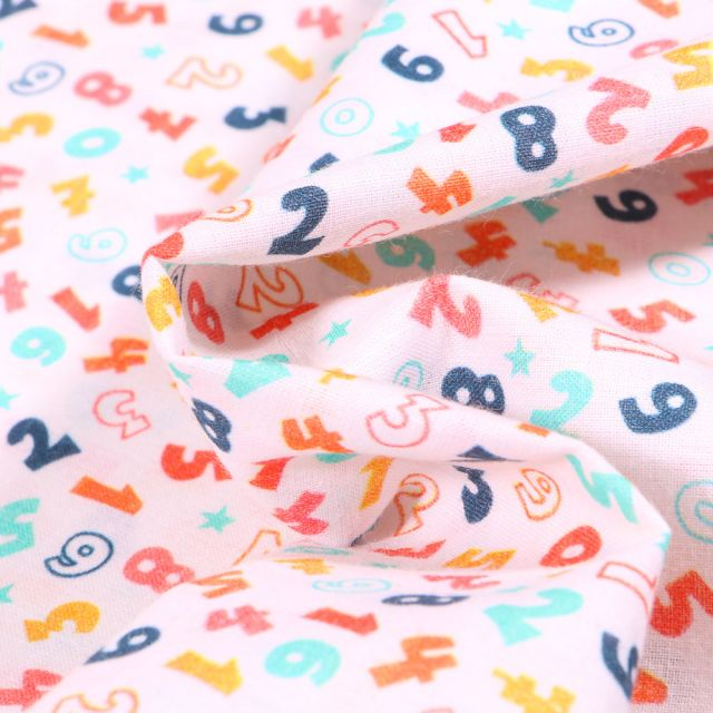 Tissu Coton MC Fabrics Chiffres multicolores sur fond Blanc