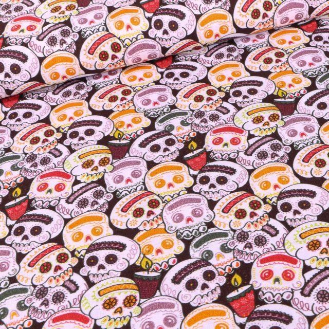 Tissu Coton imprimé Bio Têtes de morts halloween sur fond Noir
