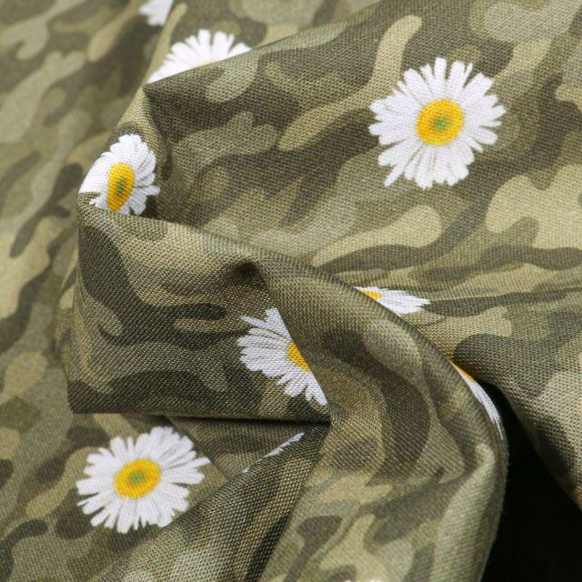 Tissu Coton MC Fabrics Pâquerettes et camouflage sur fond Vert kaki