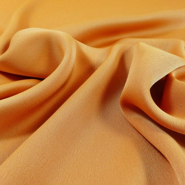 Tissu Crêpe satin mat Orange mangue x10cm