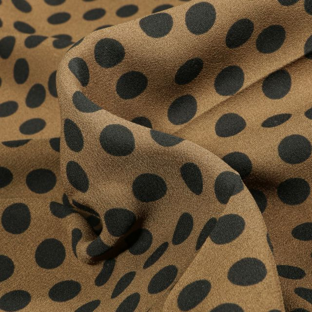Tissu Crêpe Georgette Pois noirs sur fond Vert kaki