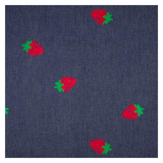 Tissu Denim Jean Fraises rouges et vertes sur fond Bleu foncé - Par 10 cm