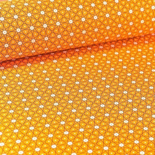 Tissu Coton imprimé Arty Etoiles et pois sur fond Jaune curcuma - Par 10 cm