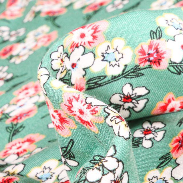 Tissu Jersey Viscose  Bouquets de fleurs colorés sur fond Vert menthe