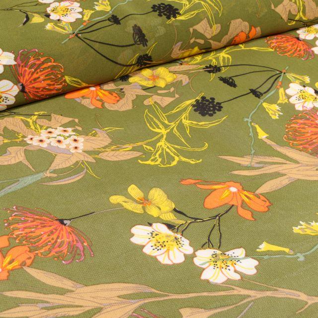 Tissu Mousseline Nupans et fleurs diverses sur fond Vert