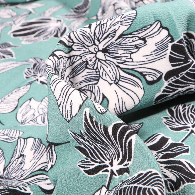 Tissu Crêpe Mix Flowers sur fond Vert menthe